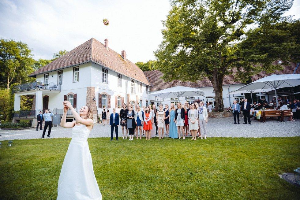 Hochzeit in Ettenheim und Freiburg - Julia und Kai (45)