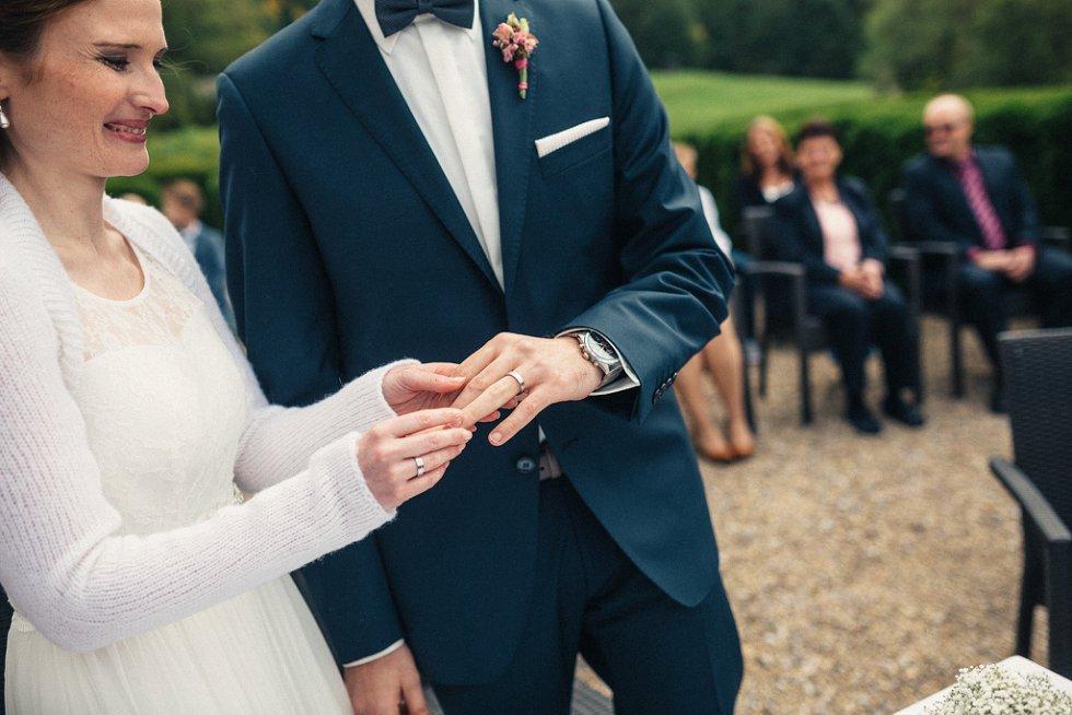 Hochzeit auf Burg Windeck in Bühl - Sandra und Sascha (31)