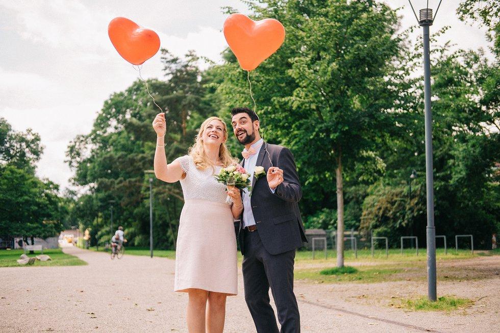 Standesamtliche Hochzeit in Offenburg - Carina und Simon (14)